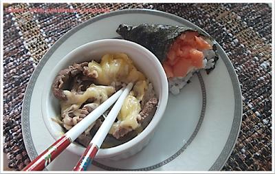GYUDON; bife bowl ou bacia de carne; comida japonesa; temaki; sushi;