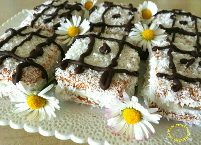 Burçak Bisküvili Minik Pastacıklar