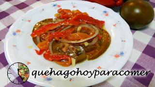 Ensalada de pimento asado y tomate