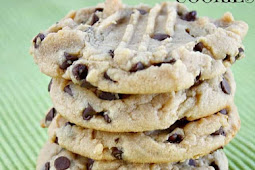 RECIPE - THE BEST PEANUT BUTTER CHOCOLATE CHIP COOKIES