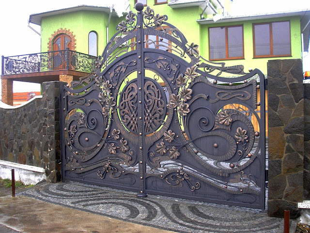 cách chọn màu sơn cho cổng sắt theo phong thủy