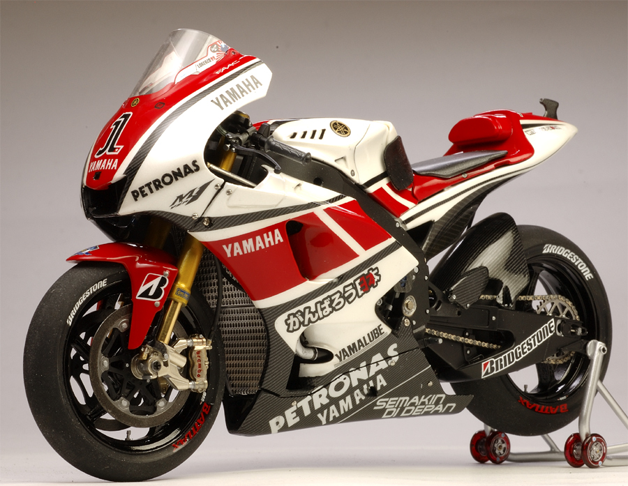 racing scale models yamaha yzr m1 50th anniversary j lorenzo 2011 by utage factory house. Black Bedroom Furniture Sets. Home Design Ideas