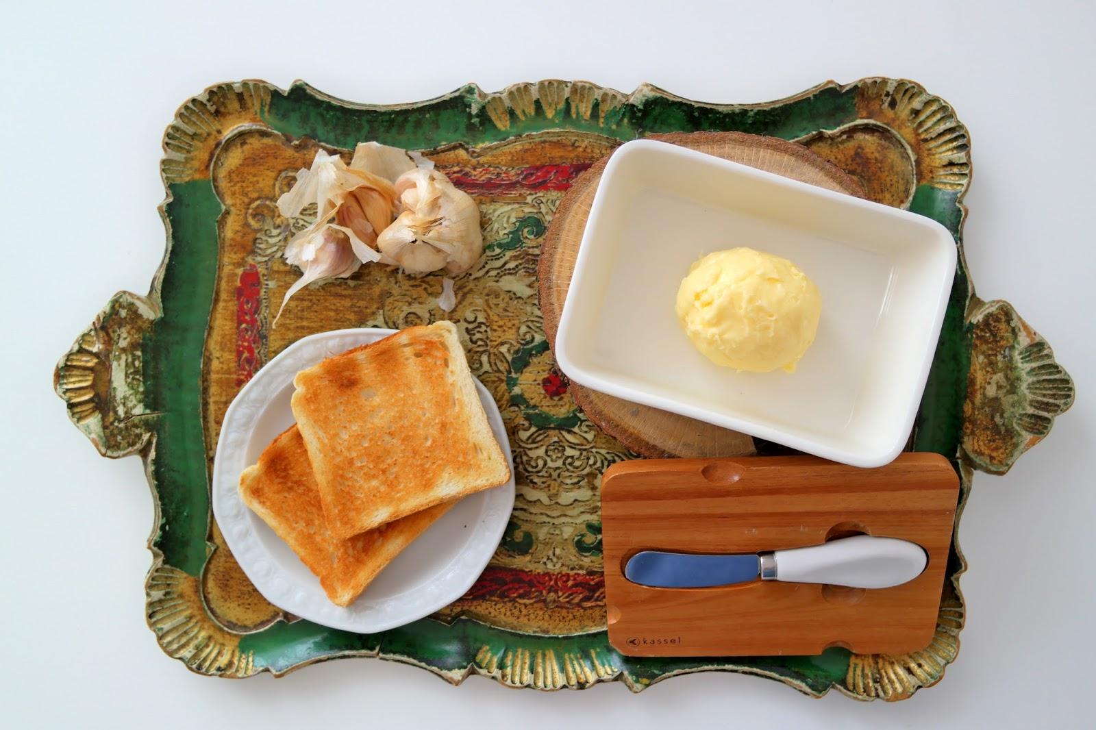 domowe masło czosnkowe