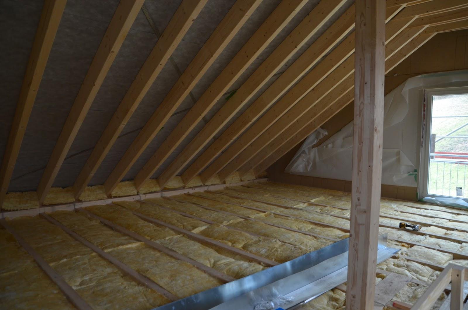 unser okal haus der dachboden. Black Bedroom Furniture Sets. Home Design Ideas