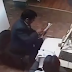 Abogado golpea a un funcionario del Segip