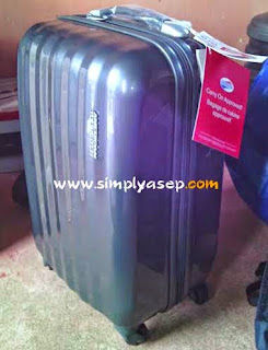 This American Tourister Suitcase Bag is in a separate photo. Want to know the price, please check the official website here. Photo of Asep Haryono