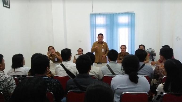 Pertemuan kepada para CPNS di Kantor BKD Nias Barat