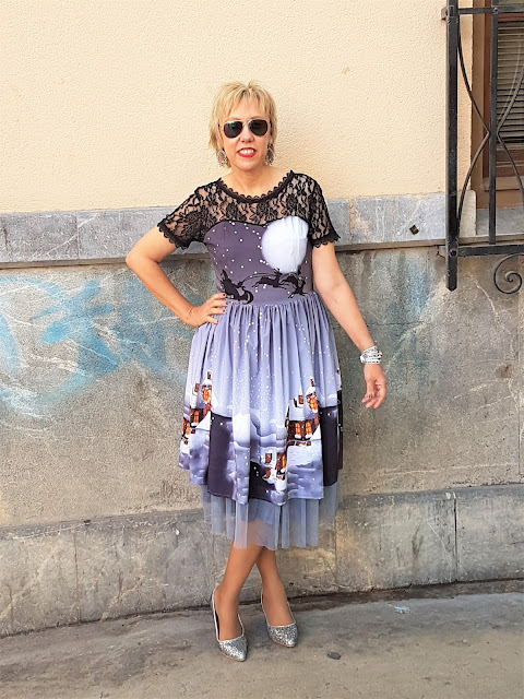 https://www.rosegal.com/vintage-dresses/christmas-sheer-lace-yoke-50s-1365384.html?lkid=12152346