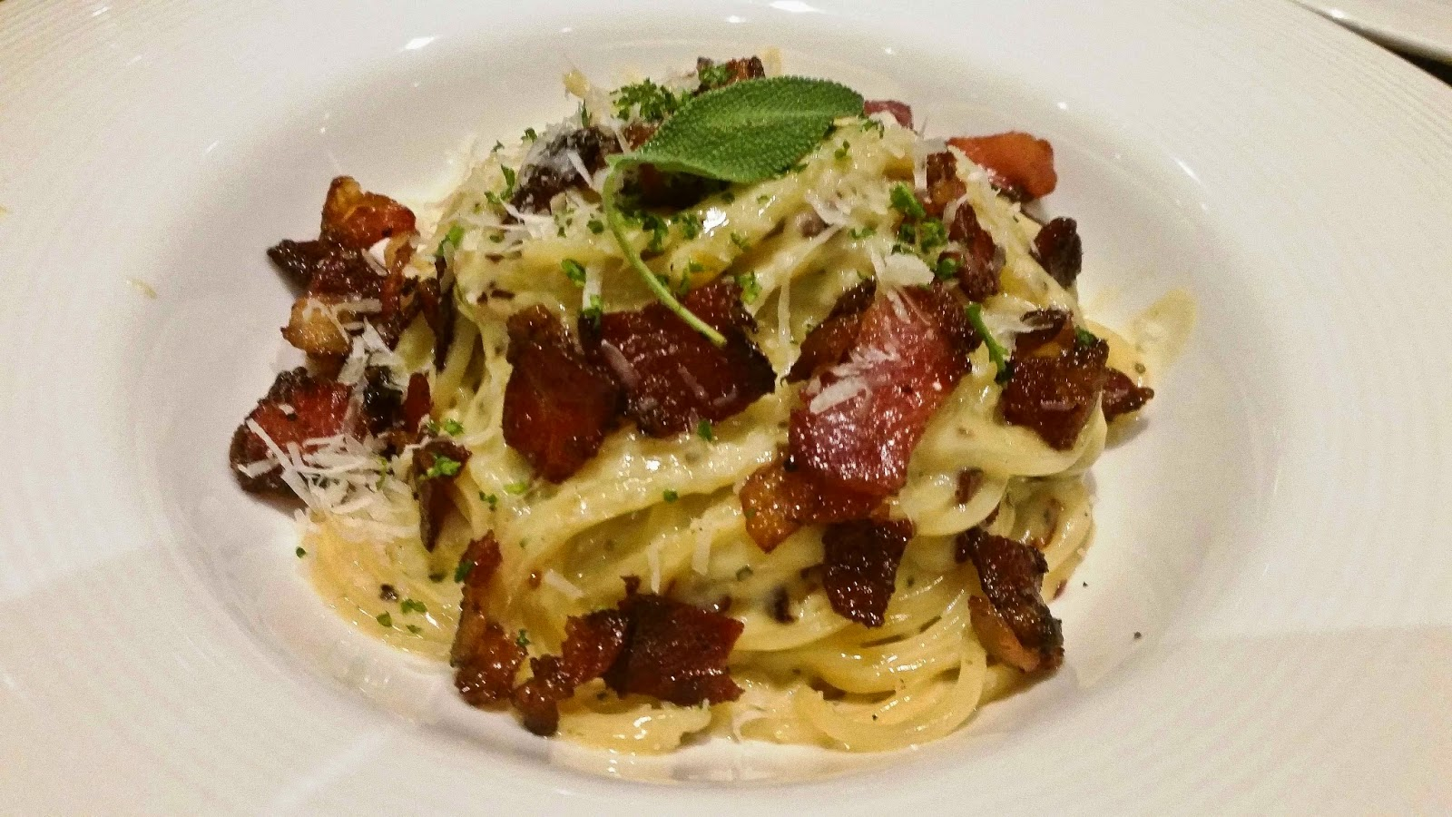 Spaghetti Carbonara with bacon