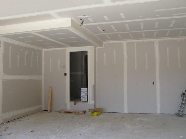 sử lý mối nối cho vách ngăn trong nhà bằng keo jade solutione