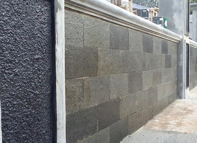 desain pagar minimalis dengan batu alam