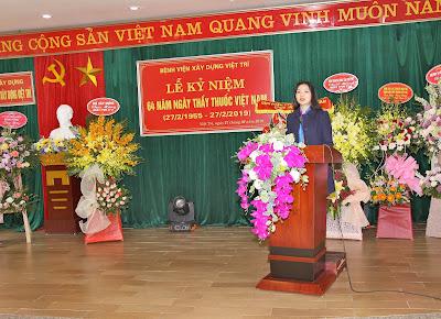 Bà Đỗ Thị Phong Lan, phó Vụ trưởng Vụ Tổ chức cán bộ Bộ Xây dựng phát biểu tại buổi Lễ