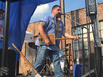 Shane Speal on stage at the 2015 York, PA cigar box guitar festival