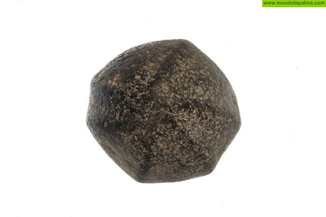 Un esferoide donado por un particular incrementa los fondos del Museo Arqueológico Benahoarita