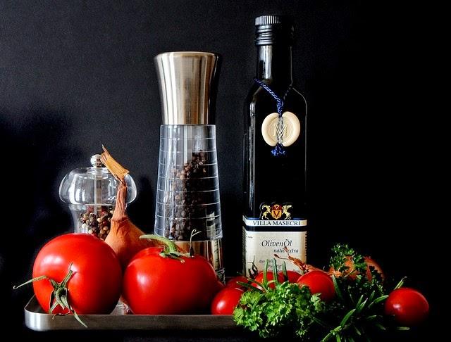 ingredientes para carne estofada en la cocina de la abuela