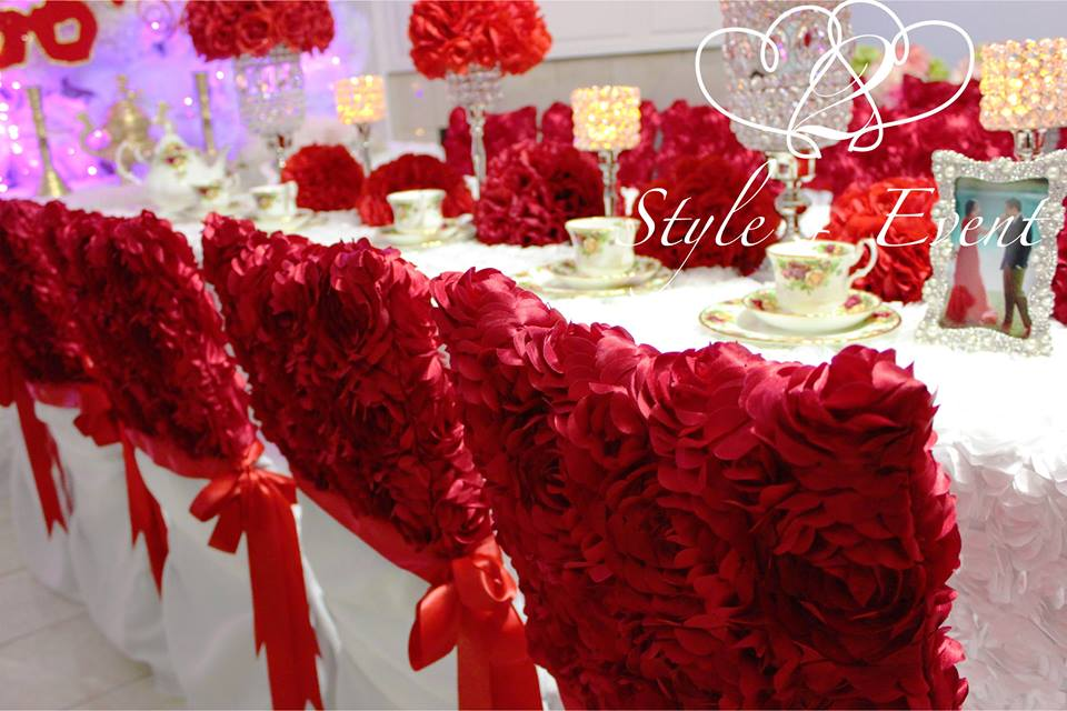 red and white wedding s with decorating of party
