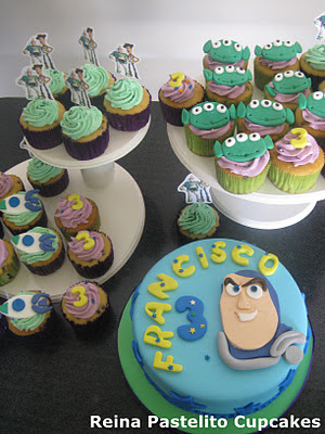 Reina Pastelito Cupcakes Tortas Torta Cupcakes Toy Story Buzz