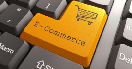 E-commerce carrinho compras teclado