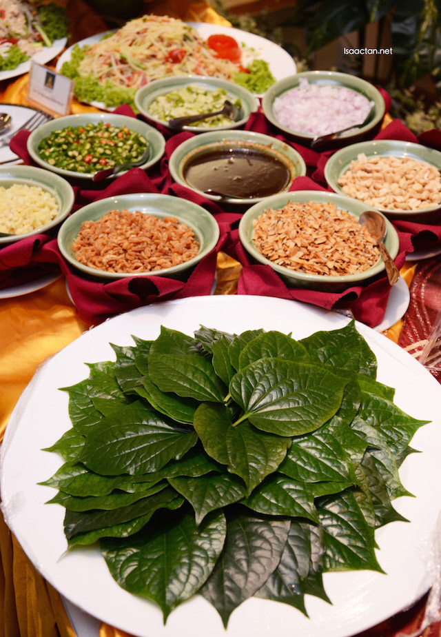 My favourite, their signature Thai Miang Kham