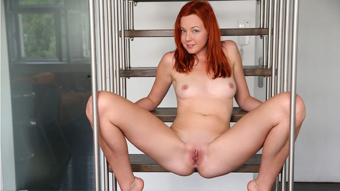 Nubiles - Elen Moore - 2v Morning MasturbationReal Street Angels