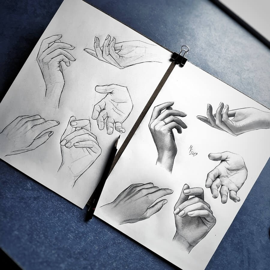 05-Drawing-a-hand-Nikolaj-www-designstack-co