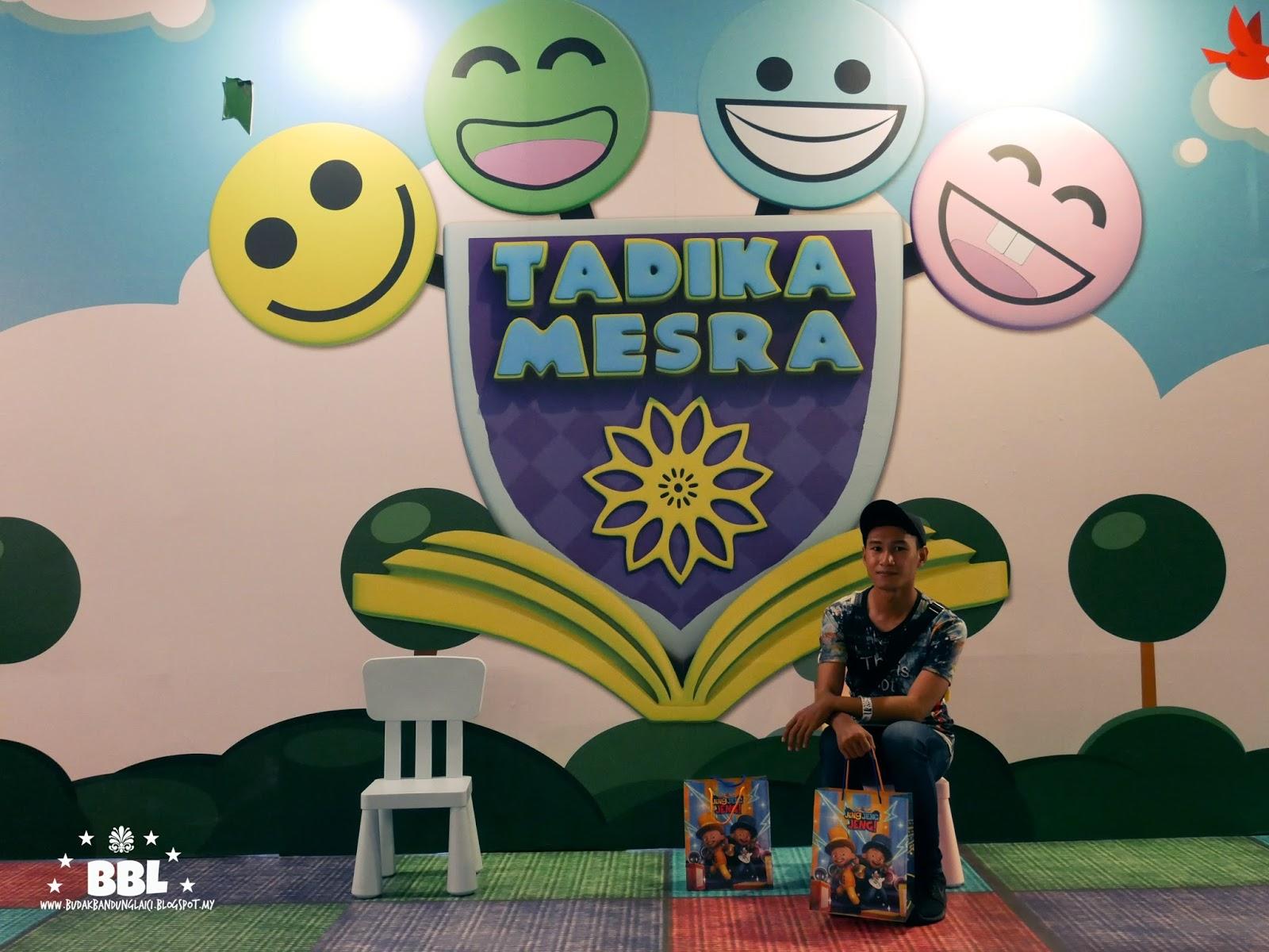 Boleh selfie kat depan pintu gerbang Tabika Mesra atau backgroup poster kawan kawan Upin Ipin Rasa rindu nak kembali zaman sekolah tadika