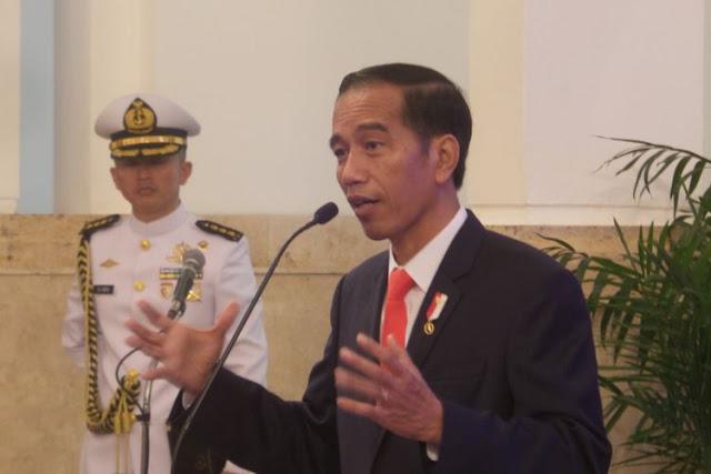 Pemimpin Teladan, Jokowi Tak Tersinggung Dikartu Kuning Ketua BEM UI