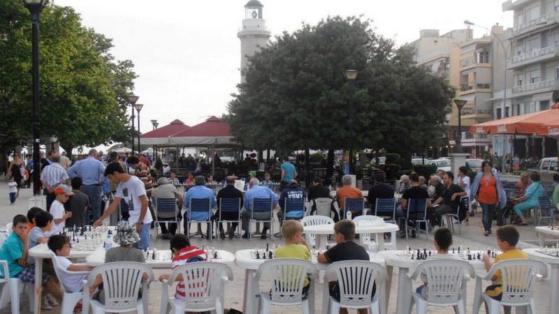 Αγώνες Σκάκι ανοιχτοί στο κοινό στην Πλατεία Φάρου Αλεξανδρούπολης