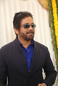 nagarjuna new stylish photos-thumbnail-10