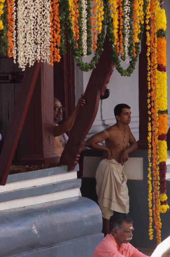 kst tour kerala inde du sud temple
