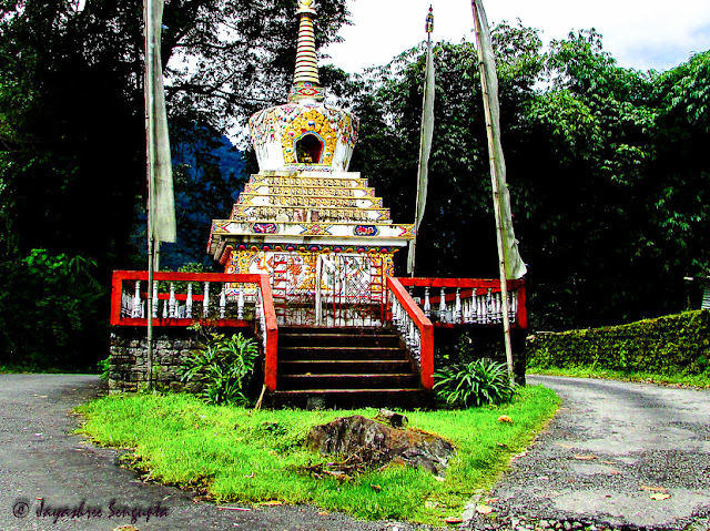 Stupa near Kathog Lake @DoiBedouin