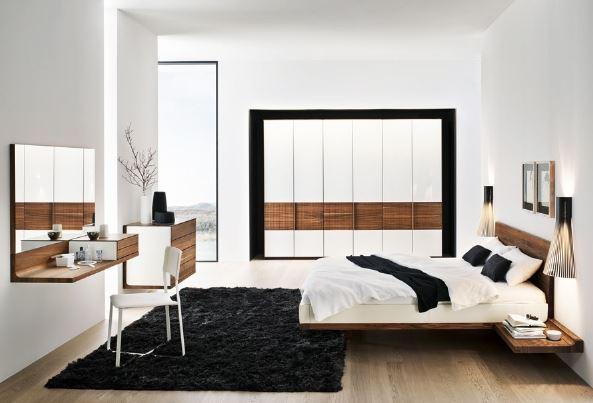 Tránh đặt gương chiếu thẳng vào giường ngủ