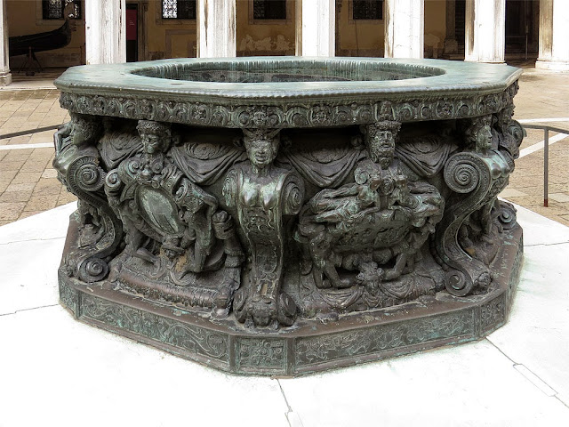 Bronze well-head  by Alfonso Alberghetti, Courtyard of the Doge's Palace, Venice