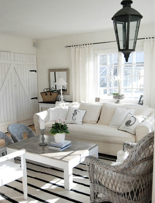 Black and White Beach Cottage Living Room