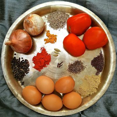 Chettinad Style Egg Curry black pepper, chettinad, eggs, Indian, recipe, south, spicy, tamil nadu, curry, gravy, kuzhambu, easy, vegetarian, hard boiled,