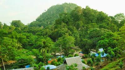 Pagat Batu Benawa, Taman di pagat,
