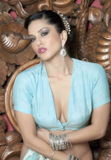 8e5db4cbb32a022ef9092b3902f02052 - Sunny Leone's Extreme Sexiest 3 Collections In Saree even try to show her Booms-SUNNY LEONE ka SEXY