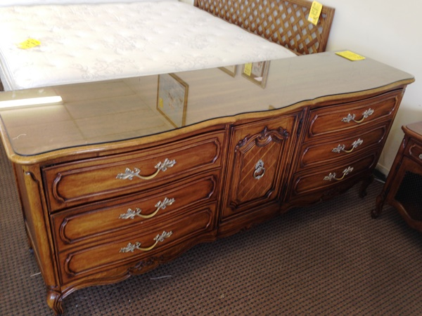 vintage thomasville bedroom furniture