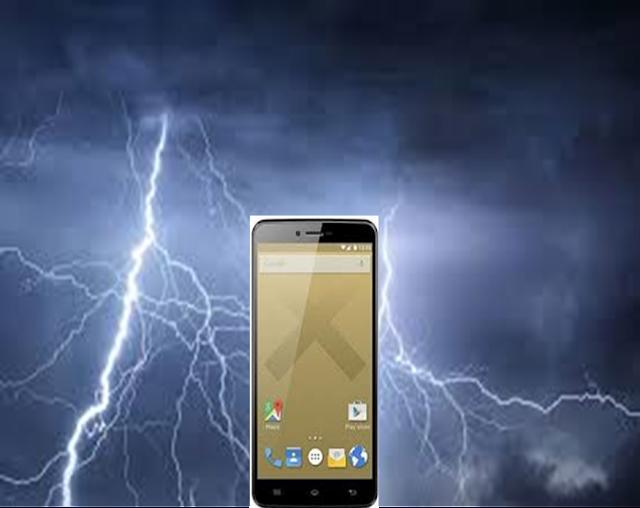 Guinée : Le téléphone peut attirer la foudre vers son utilisateur en saison des pluies