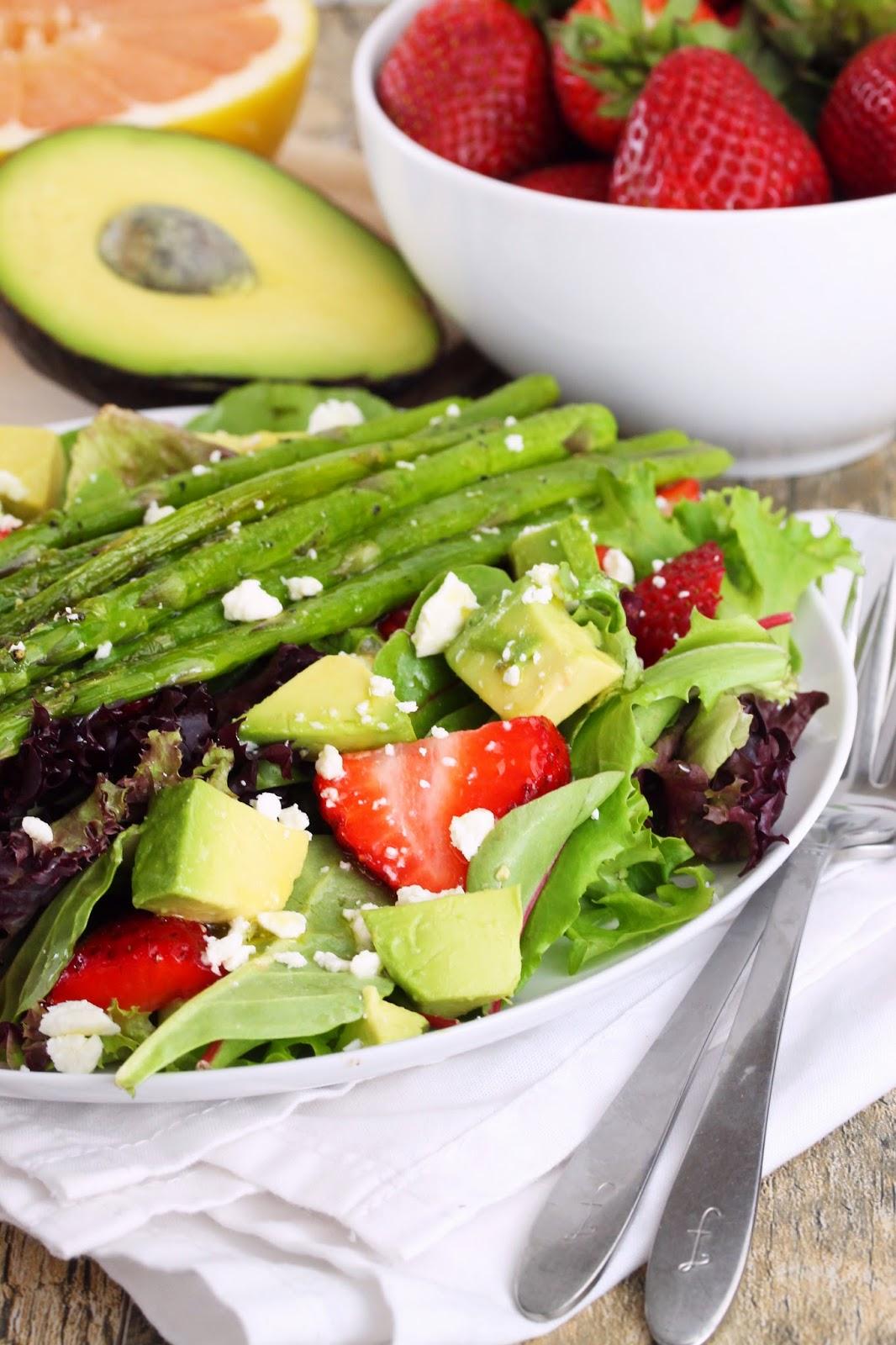 asparagus avocado strawberry salad
