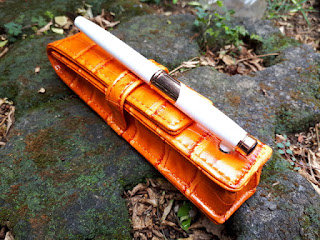 Pulpen Mewah Monte Mount MM002 White Rose Gold With Luxury Leather Bag
