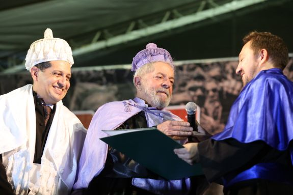 Lula recebe título de Doutor Honoris Causa da Urca