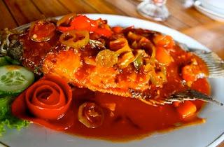 cara membuat ikan gurame asam manis pedas,cara membuat gurame asam manis sederhana,resep ikan gurame asam manis,resep ikan gurame asam manis nanas,resep ikan gurame asam manis enak,