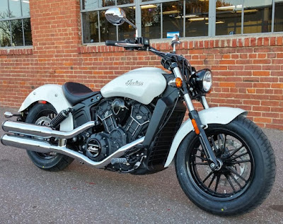 2016 Indian Scout Sixty Cruiser Motorcycle perl white color