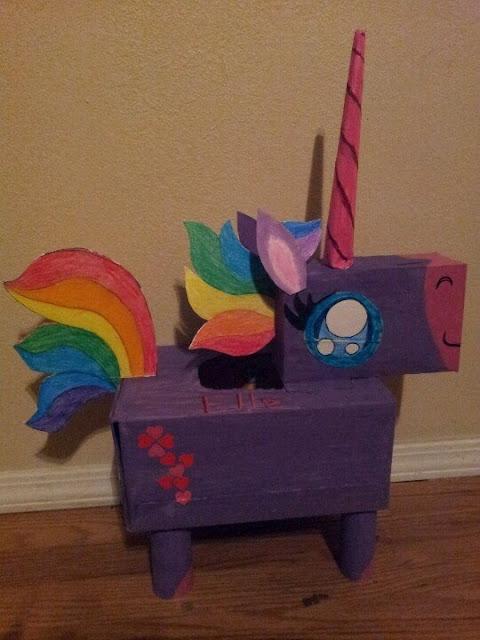 Ide membuat kerajinan berbentuk kuda unicorn menggunakan kardus bekas untuk anak-anak