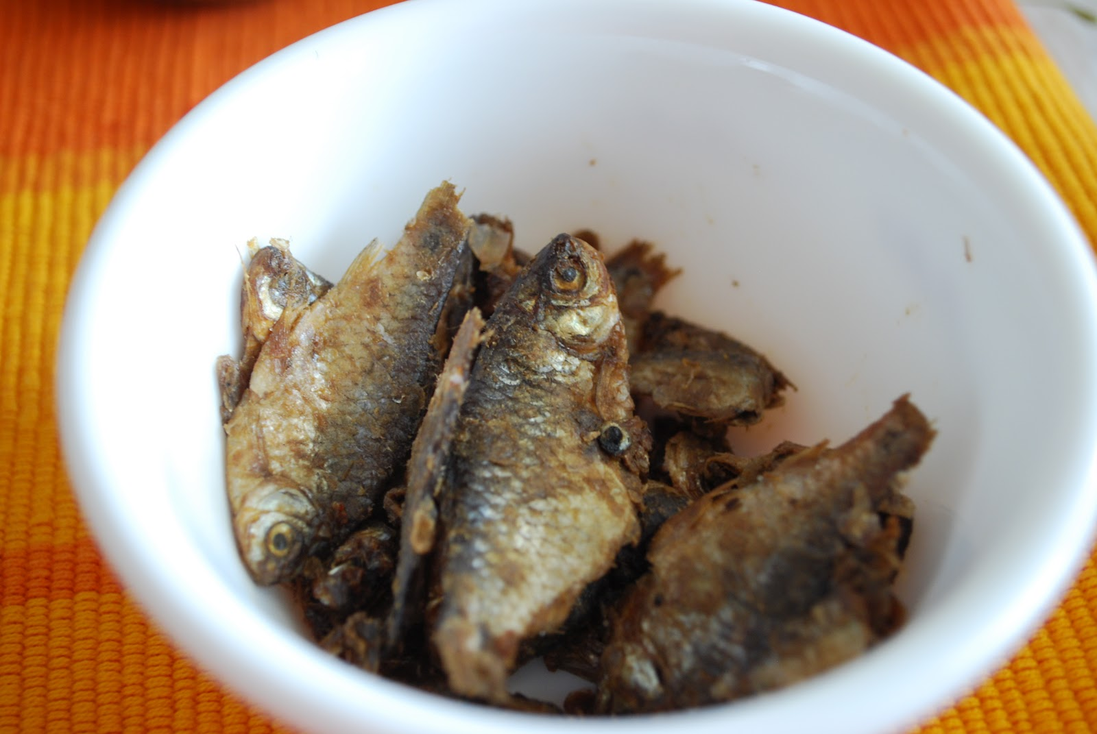 Pan Cuisine: Dried Fish Chutney with Green/Dried Red ...