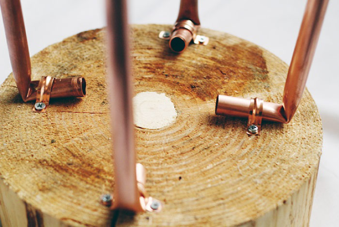 Tavolini In Legno Fai Da Te : Progetto diy: tavolino in legno e tubi di rame dettagli home decor