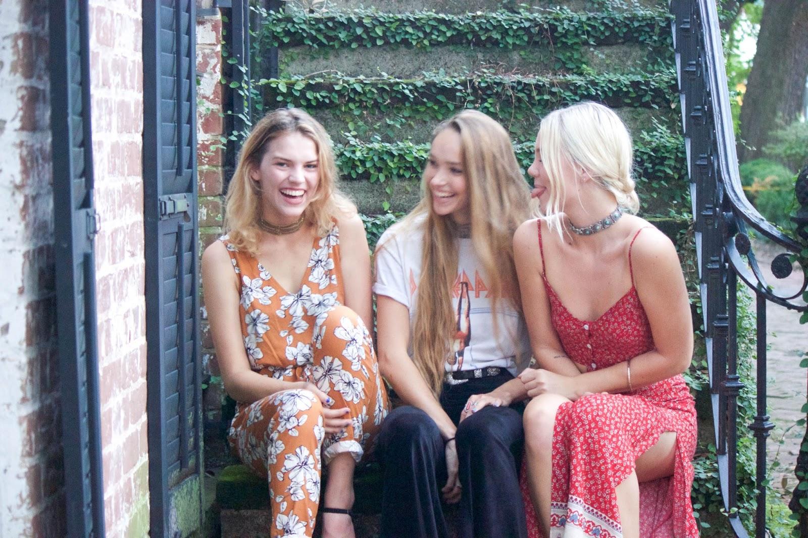 GIRLS GIRLS GIRLS GIRLS