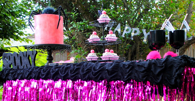 Black and pink Halloween party inspiration by Fizzy Party