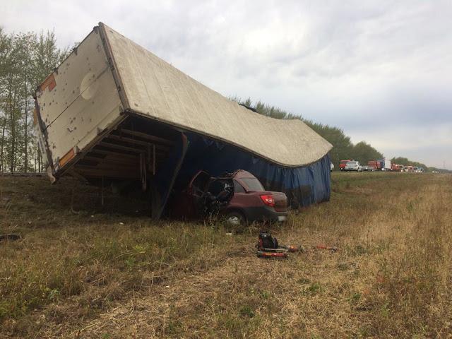 В Башкирии фура раздавила легковушку: четверо погибших